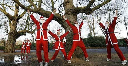 Runners-dressed-as-Santa-001 (1)